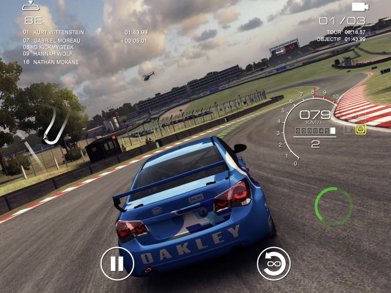 GRID Autosport (copie d'écran 9 sur iPhone / iPad)